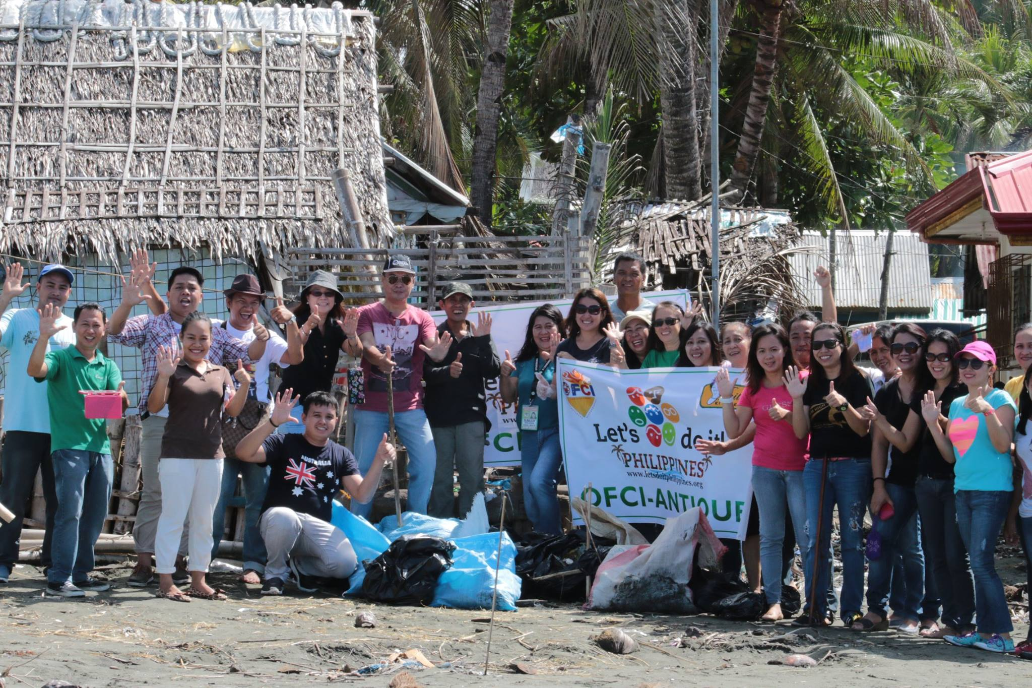 Some Provincial Government employees flocked to coastal areas in San Jose, capital town of Antique, in participation of the clean-up drive.